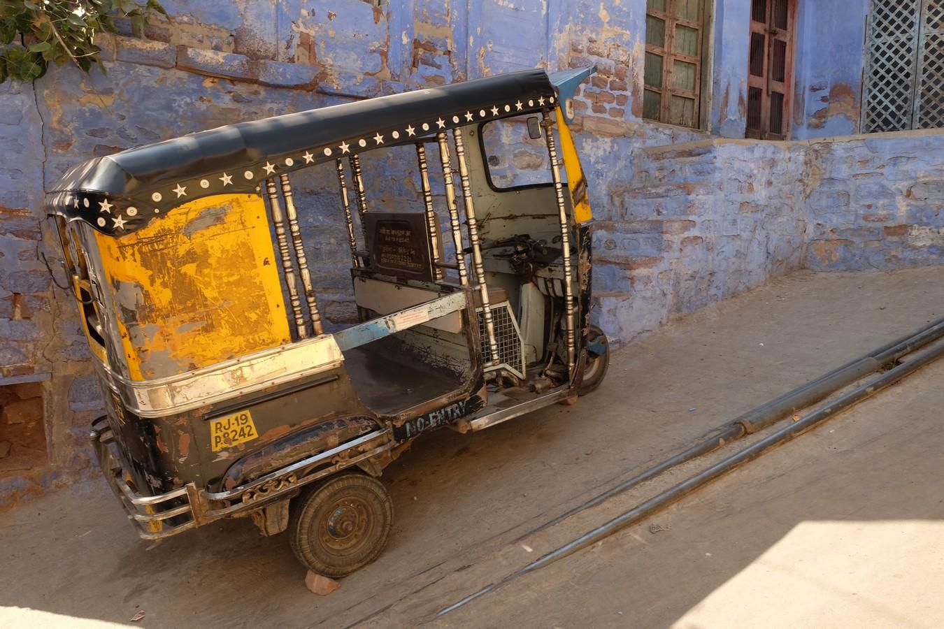 un rickshaw dans les rues bleues de Jodhpur