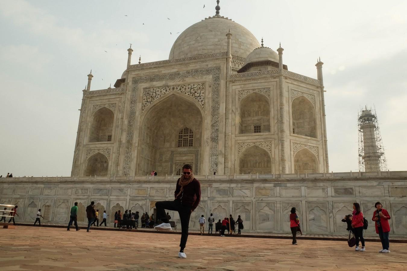 Magnifiques chaussons couvrants pour entrer dans le Taj Mahal