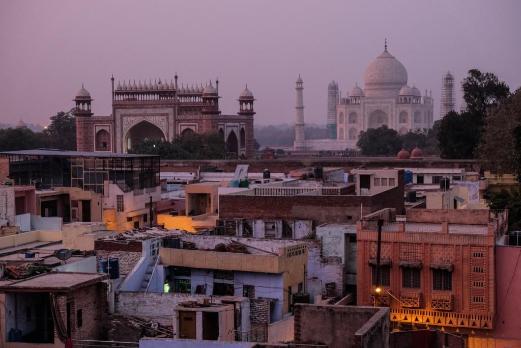 Le Taj Mahal au coucher du soleil