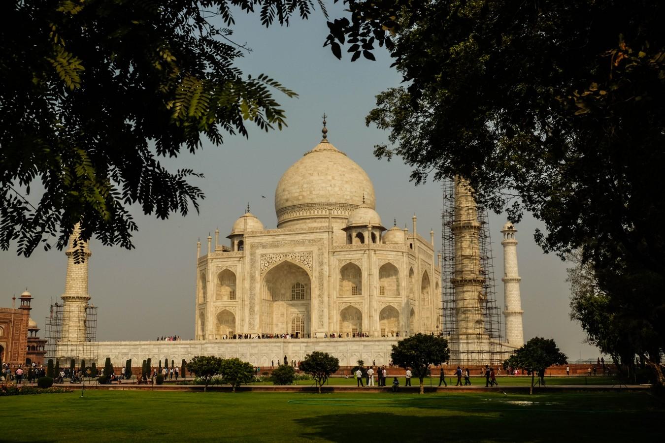 Vue du Taj Mahal depuis ses jardins