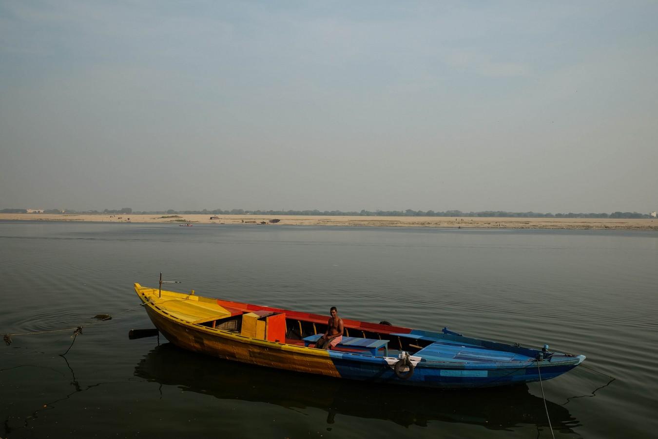 Barque colorée sur le Gange, à Varanasi