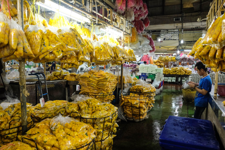 Stand sur le marché aux fleurs de Bangkok