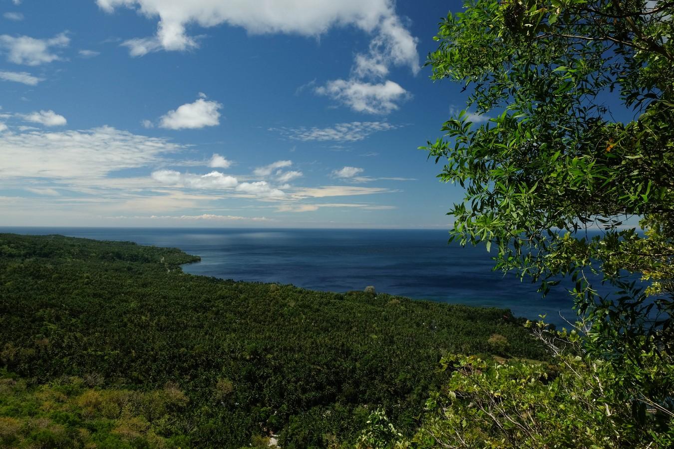 Vue depuis Old Volcano à Camiguin aux Philippines.