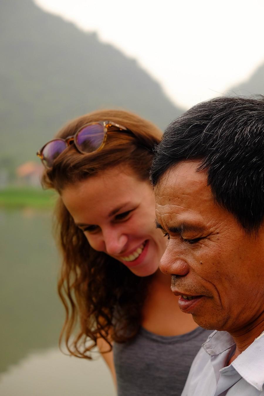Cours de smartphone avec Mr Nguyen à Tam Coc