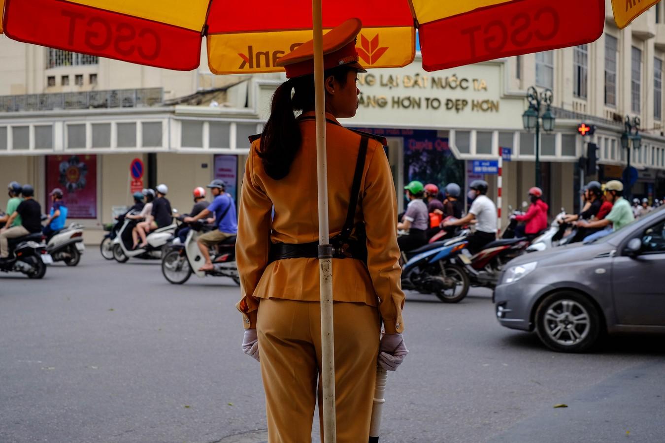 Policière à Hanoi