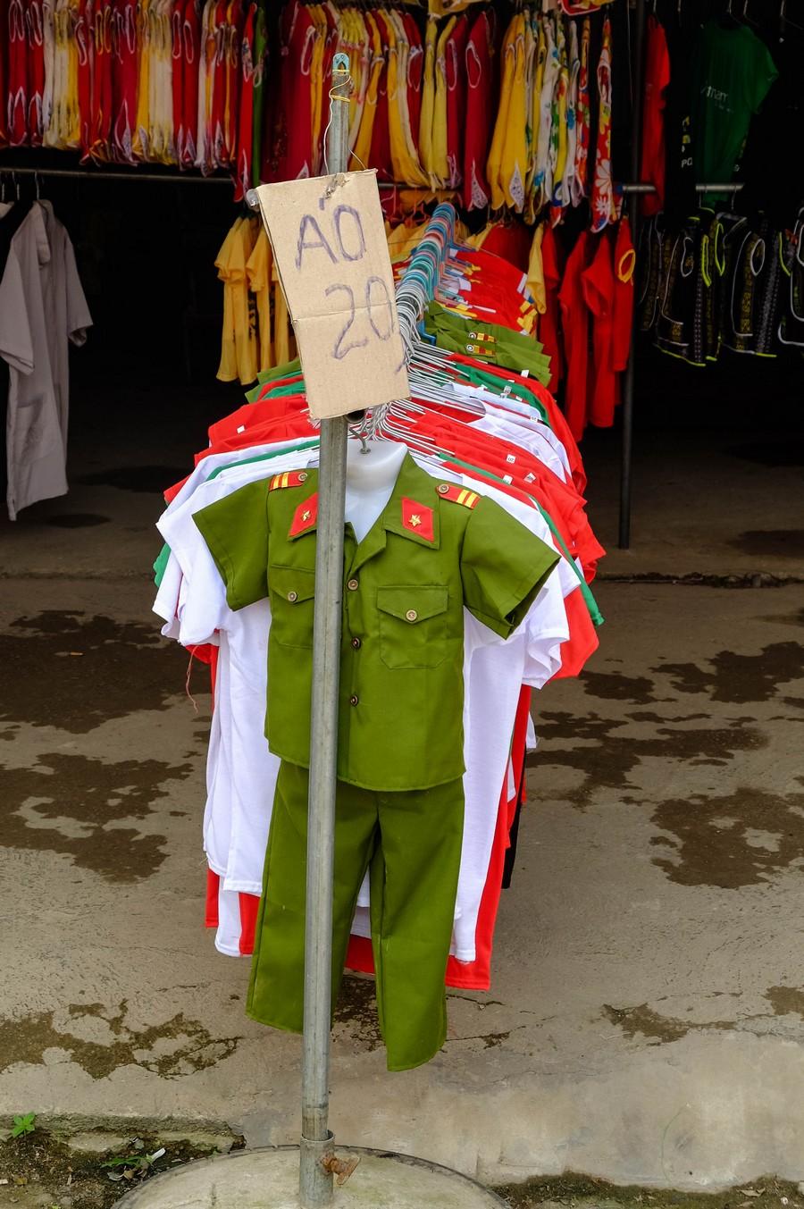uniforme pour enfant au Vietnam