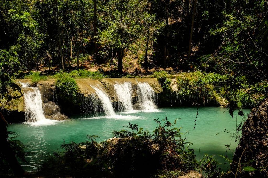 Cascade de Cambugahay à Siquijor aux Philippines