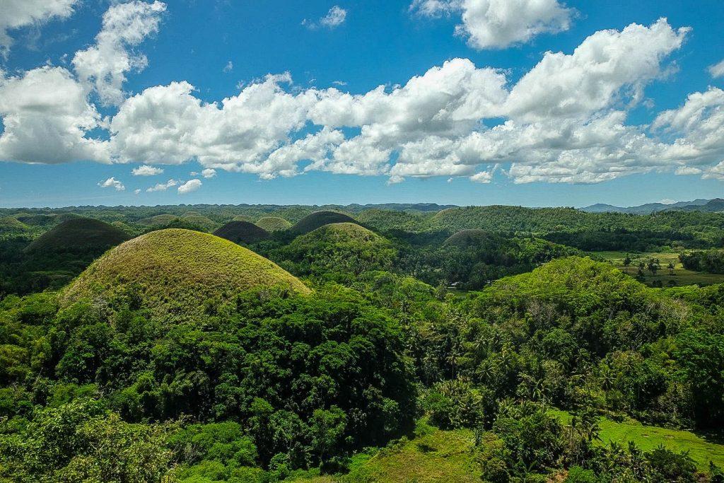 Vue des Chocolate Hills aux Philippines