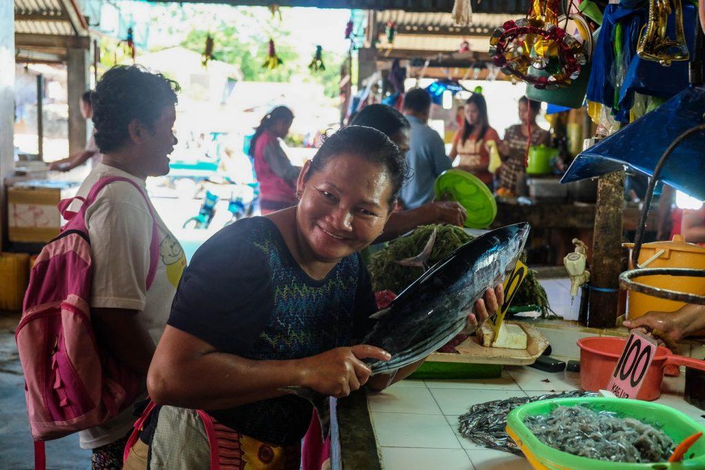 Photo d'un marché aux poissons aux Philippines