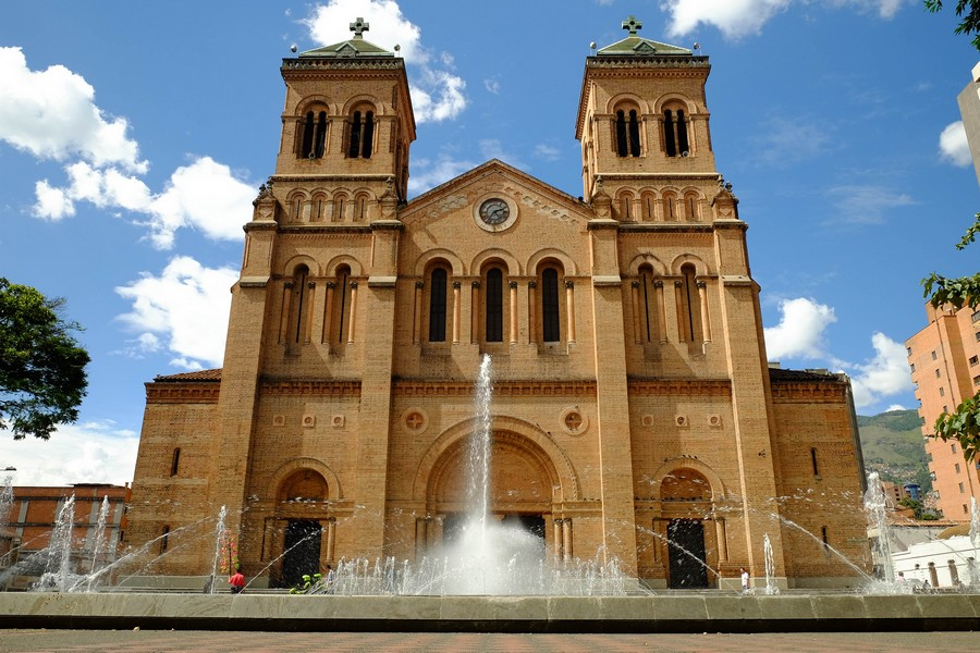 La cathédrale, un lieu à visiter à Medellin