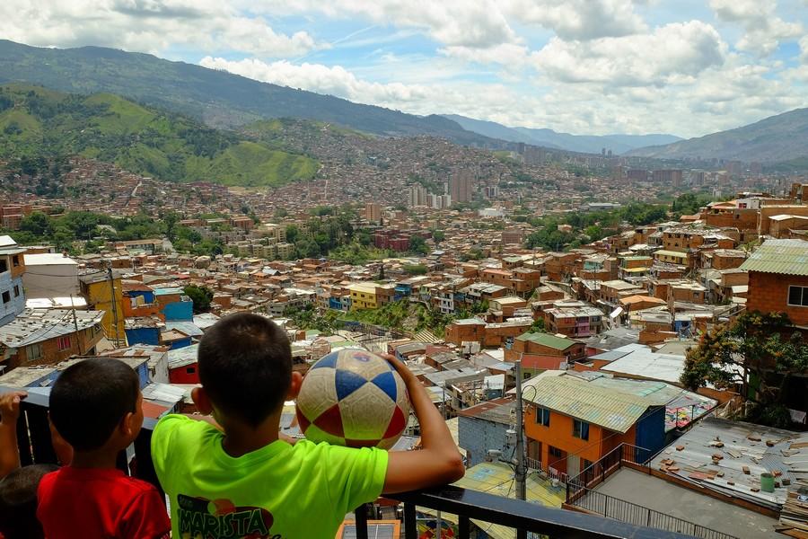 Vue depuis les escaleras à Medellin en Colombie.