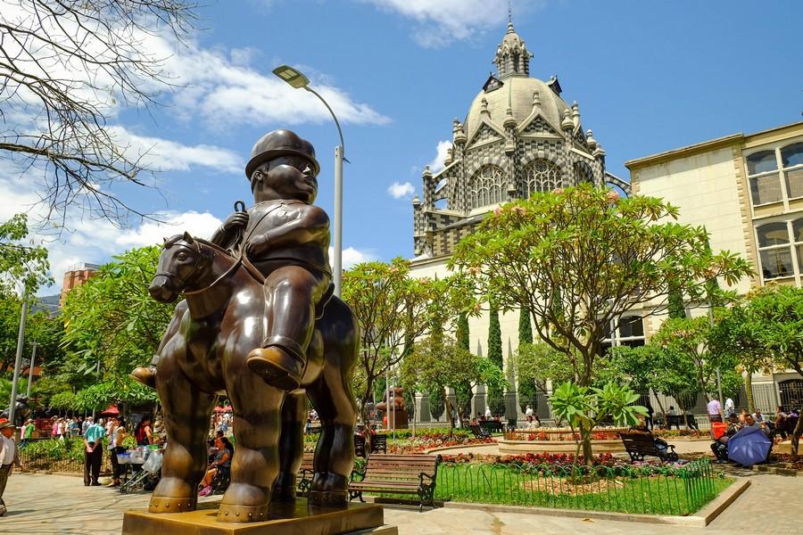 Sculpture de Fernando Botero, incontournable de toute visite à Medellin en Colombie.