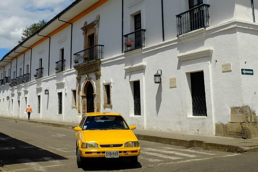 Méfiez-vous des taxis en Colombie.