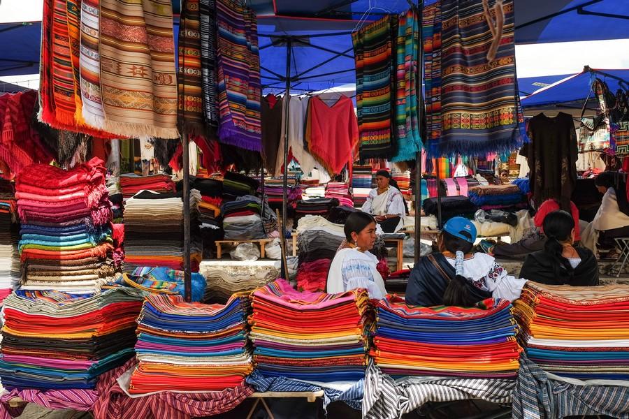 Marché d'Otavalo en Equateur.