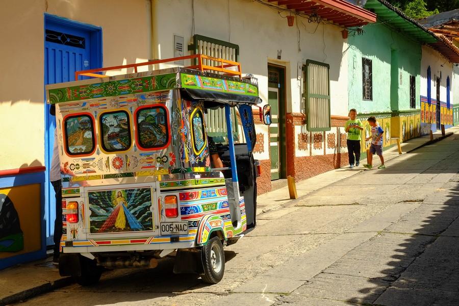 Tuk Tuk décoré à Guatape, Colombie