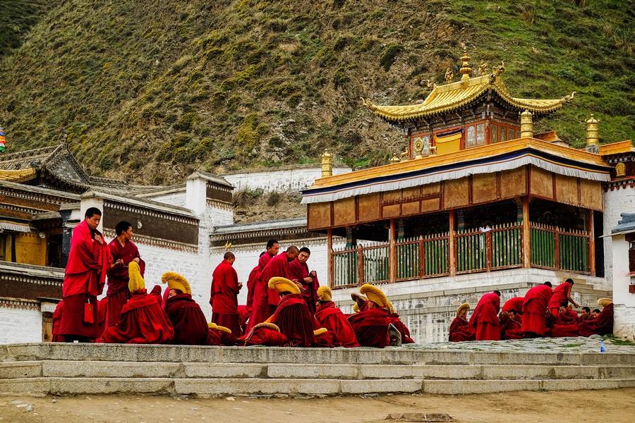 Jeunes moines tibétains au monastère de Labrang, Xiahe, Chine.