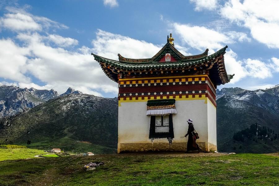 Tour de temple à Langmusi, en Chine tibétaine.