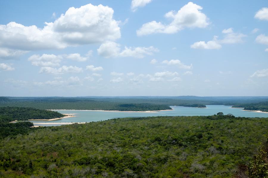 Vue sur la baie d'Alter do Chão, Amazonie, Brésil.