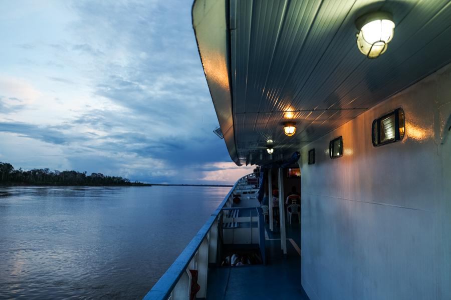 Sur le bateau du Pérou au Brésil.