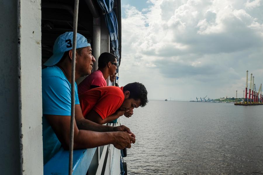Arrivée à Manaus avec le bateau. Amazonie,