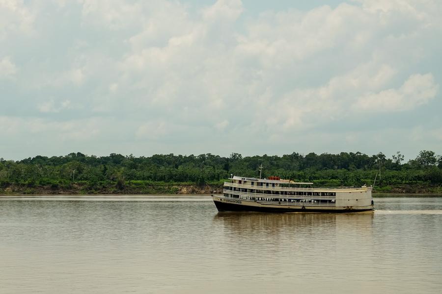 Bateau typique de l'Amazone, au Brésil.