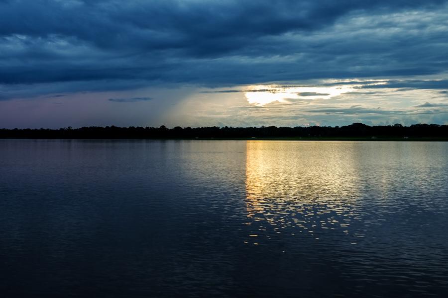 Les ciels superbes de l'Amazonie au Brésil.