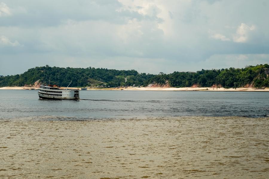 La séparation des eaux à Manaus, au Brésil