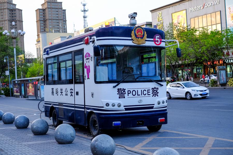 Fourgon de police chinois.