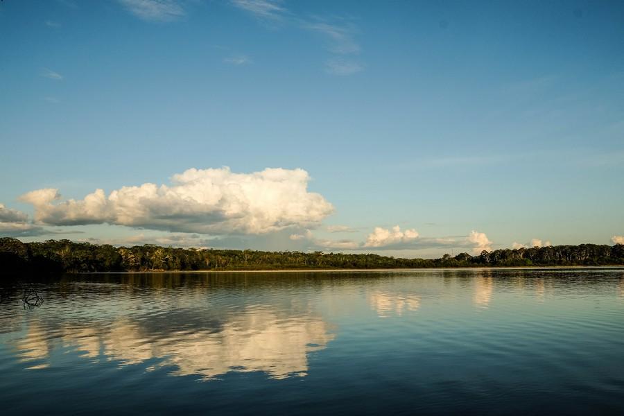Lagon de Puerto Nariño, Colombie amazonienne.