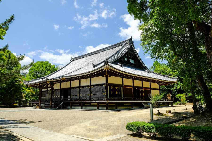 Temple en bois, Kyoto, Japon.