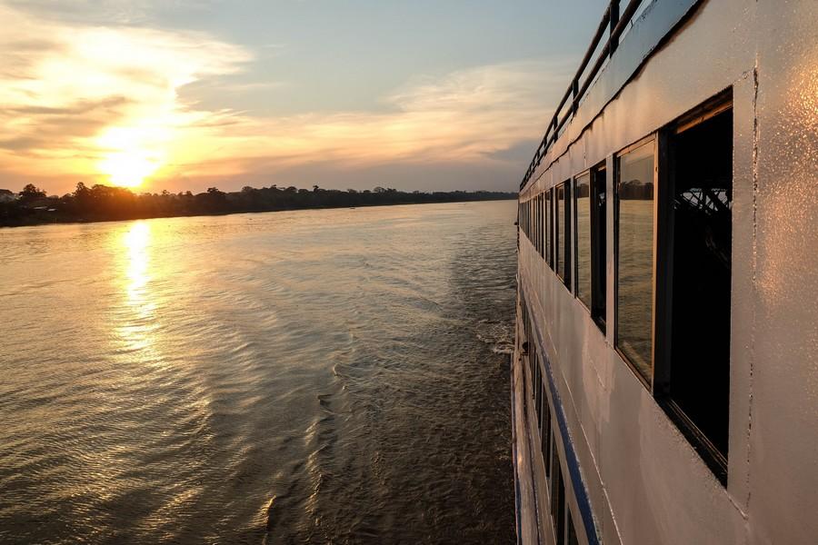 Au revoir Iquitos, bateau Iquitos - Triple frontière.