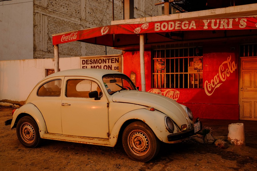 Le soleil se couche sur Huanchaco, Perou