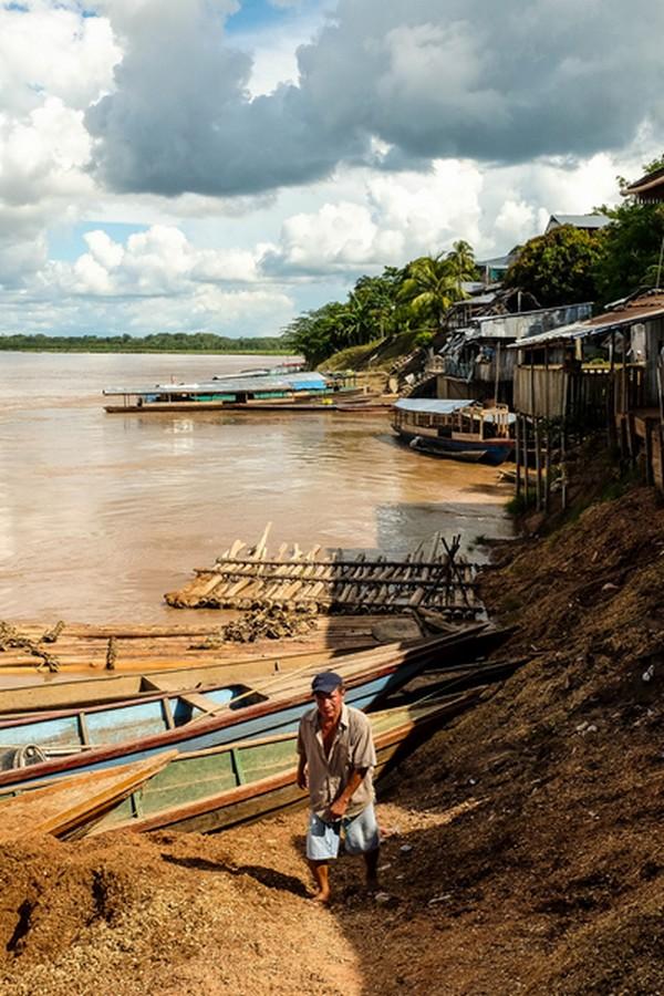 Bords du fleuve à Yurimaguas au Pérou.