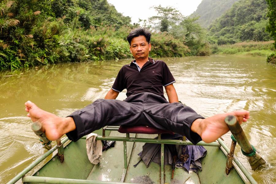 Batelier à Tam Coc, pour un tour de barque.