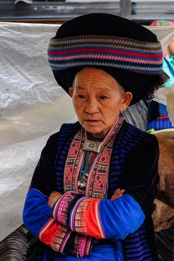 Femme sur le marché de Meo Vac, Vietnam.