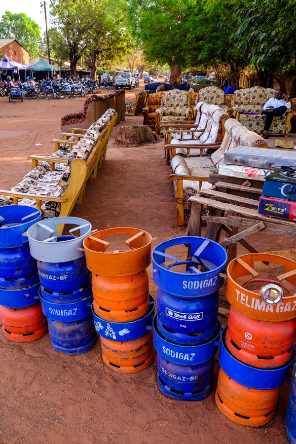Stand de rue à Bobo au Burkina Faso.