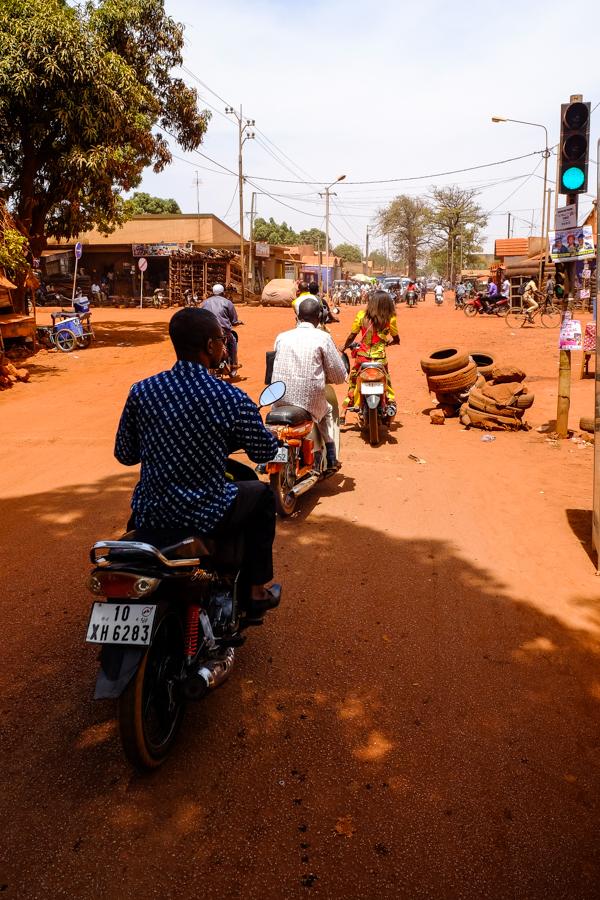Dans les rues de Bobo Dioulasso.