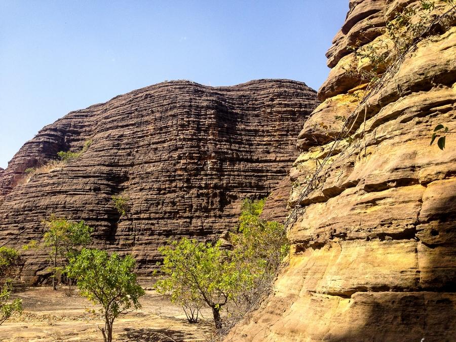 Mystérieux dômes de Fabédougou près de Banfora au Burkina Faso.