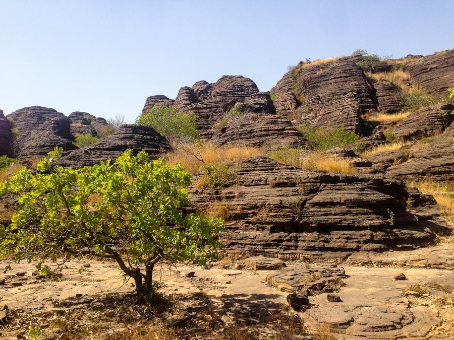 Dômes de Fabédougou dans la région de Banfora au Burkina Faso.