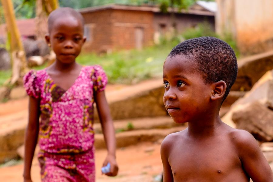 Frêre et soeur à Kpalime, au Togo.