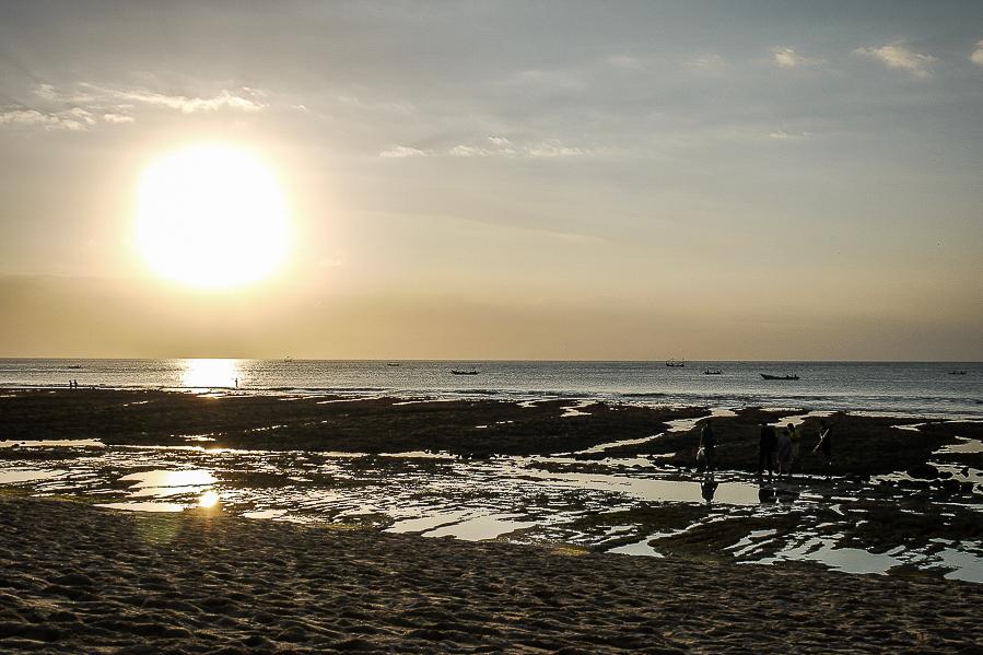 Sur la plage, à Bali.