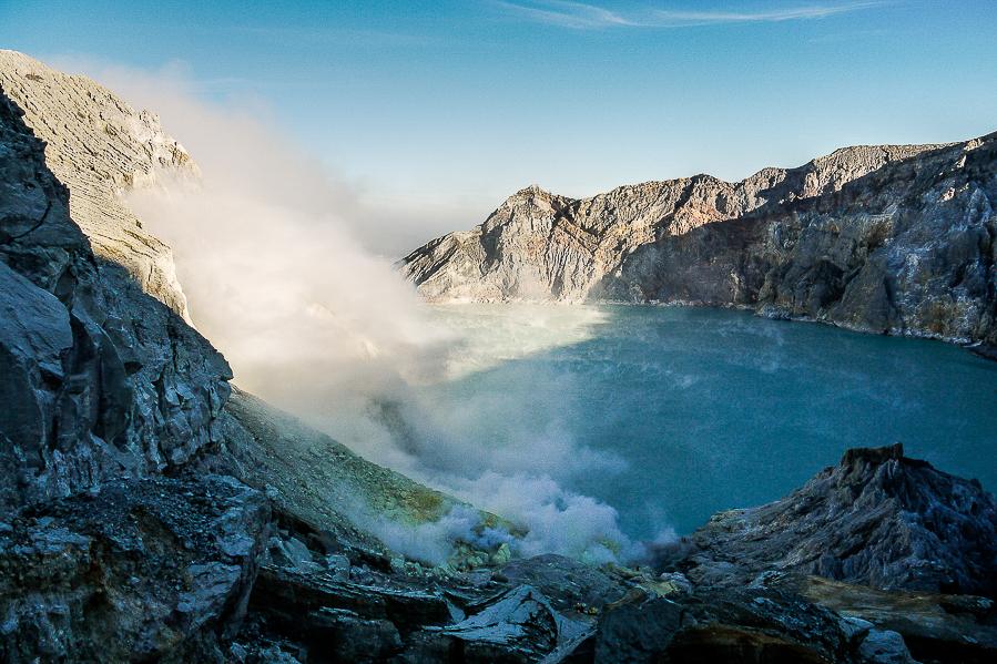 Lac du cratère du Kawah Ijen, Java, Indonésie.