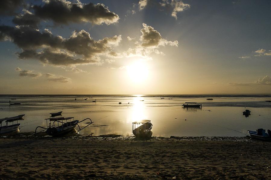 Coucher de soleil à Nusa Lembongan, Bali, Indonésie.