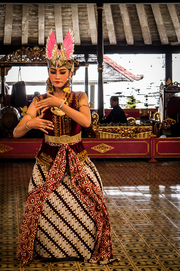 Danseuse balinaise à Yogyakarta, Indonésie.