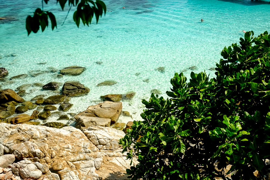 Lagon aux eaux turquoises des Perhentian, Malaisie.