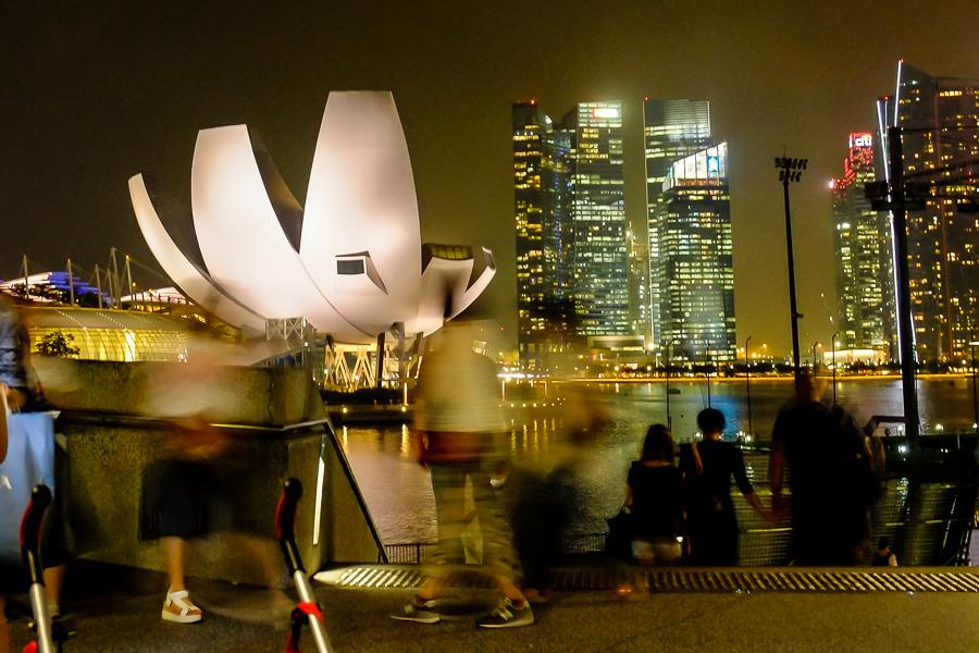Singapour, la nuit.