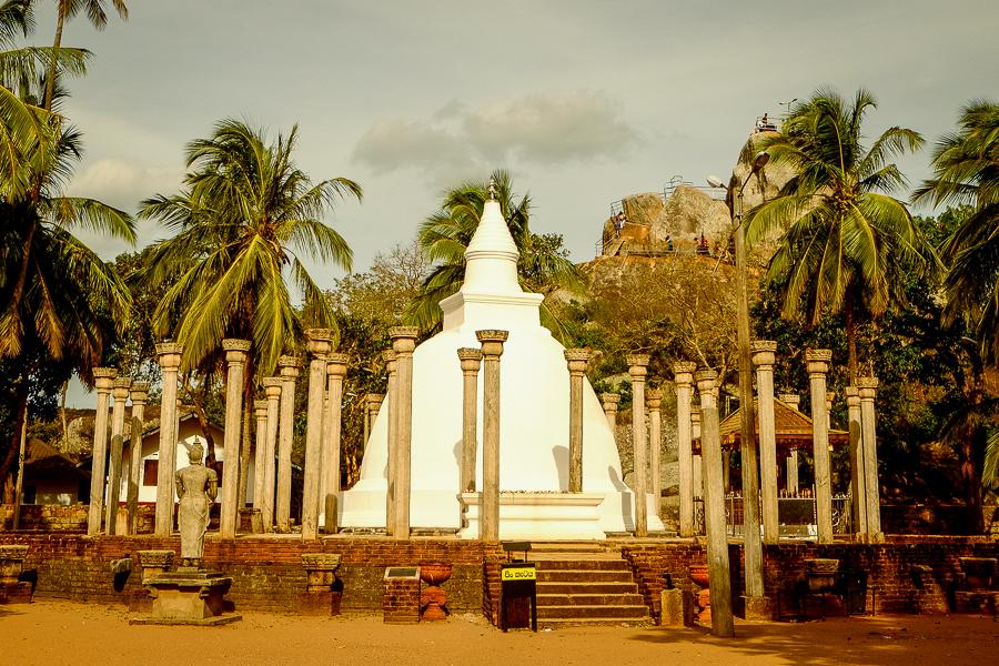 Petit temple d'Anuradhapura au Sri Lanka.