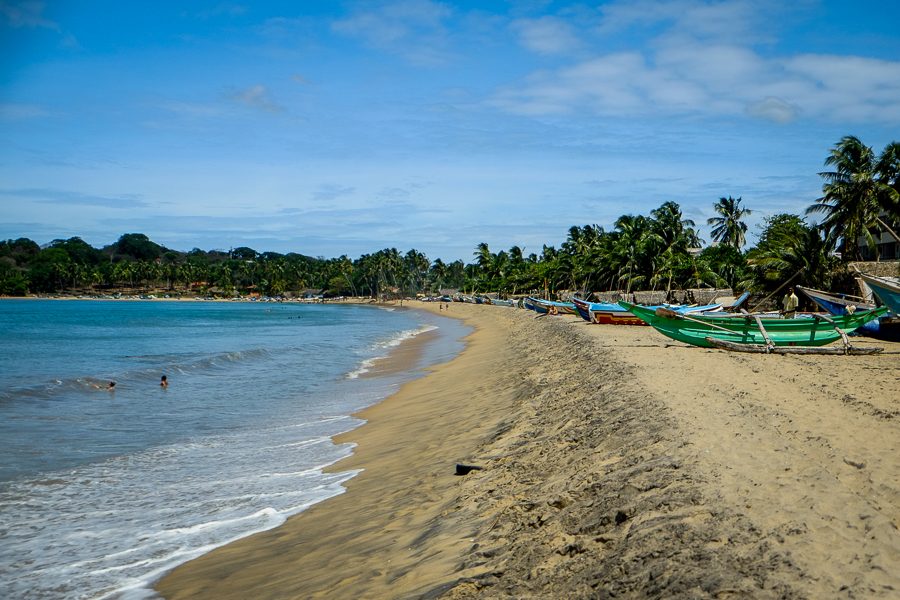 La plage d'Arugam Bay au Sri Lanka.
