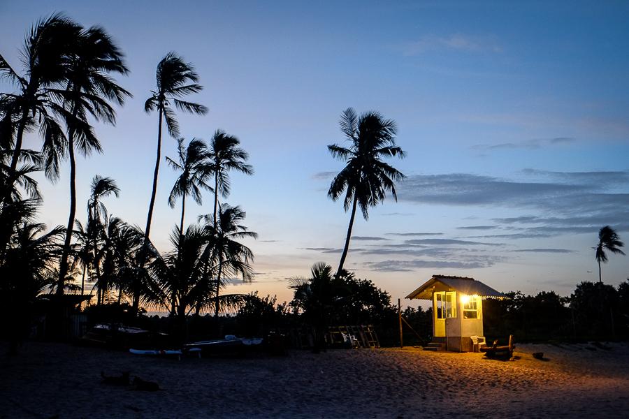 Cabane sur la plage de Mirissa au Sri Lanka.
