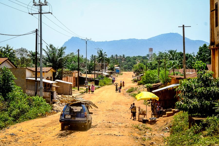 Piste dans le village de Kpalimé au Togo.